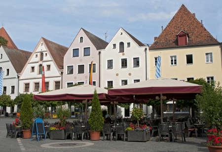 central square: Street Cafe a storica piazza centrale, Weiden, Baviera, Germania Archivio Fotografico