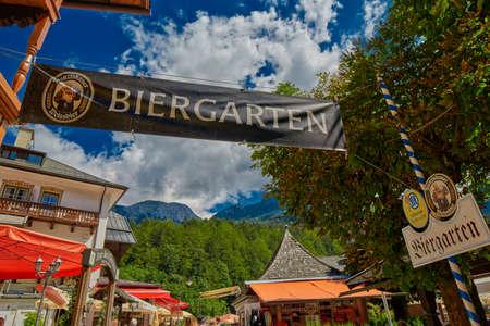 Königsee, BAYERN DEUTSCHLAND - 10. August 2016: Königsee Bayerische Dorfbiergarten