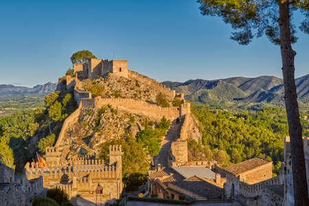 Historisch Xativa Kasteel bij Zonsondergang, Valencia Gebied van Spanje Stockfoto