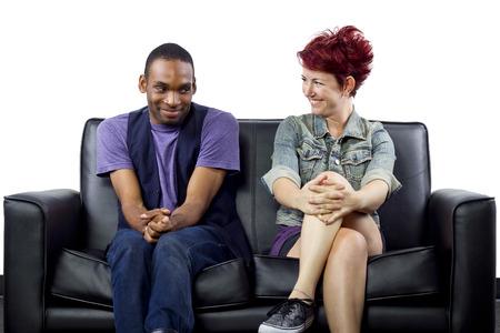 crush on: joven enamorado entre hombre negro y mujer blanca