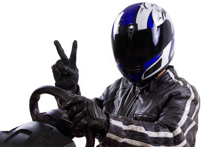 Rennfahrer tragen Schutzkleidung und Helm Leder