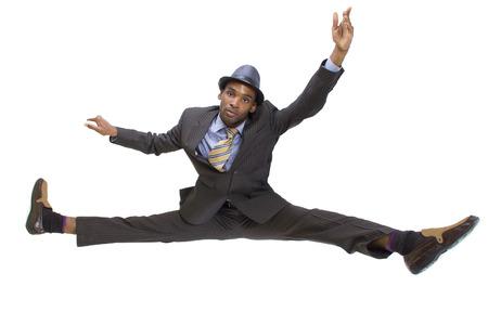 Sportlich schwarzen Mann in einem Anzug, der die Spalten Standard-Bild - 26962869