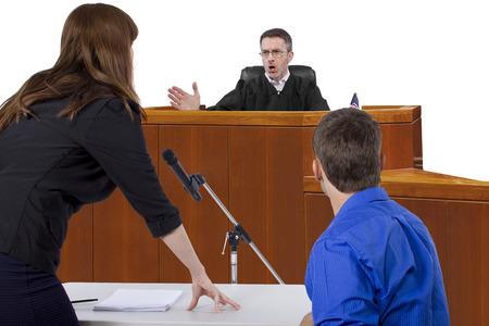 被告の弁護士は法廷で裁判官に話すと 写真素材 - 30733497