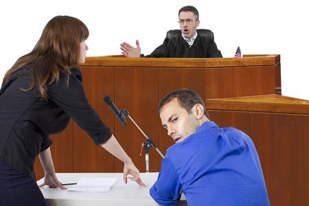 被告の弁護士は法廷で裁判官に話すと 写真素材 - 30733498