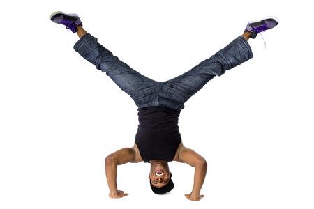 cabeza abajo: breakdance hip hop o el instructor de entrenamiento de la danza de equilibrio al revés