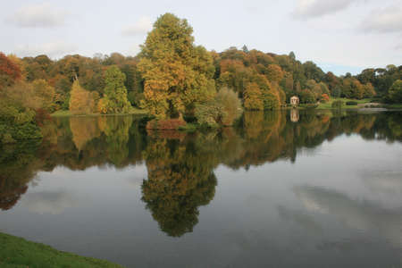 stourhead: Autumn Colours in the English countryside Stock Photo