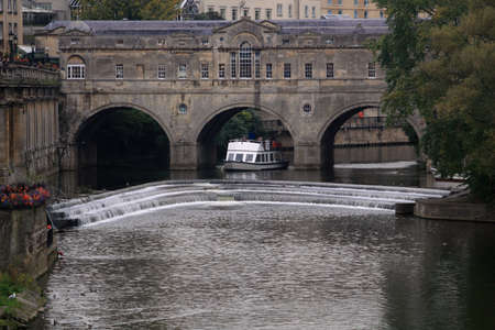 weir: Pultney Weir and Bridge on the River Avon, England