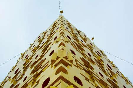 Lieux saints du bouddhisme en Thaïlande. Kanchanaburi Banque d'images - 44339912