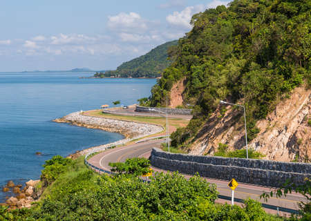 Chalerm Burapha Chonlathit Highway look from Noen Nangphaya View Point , Chanthaburi, Thailand Banque d'images
