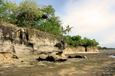 Mountain cliff during low tide Stock Photo - 9837512