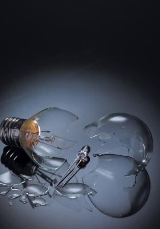 Broken light bulb photo