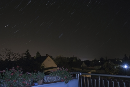 astrophoto: Night sky with long exposure.