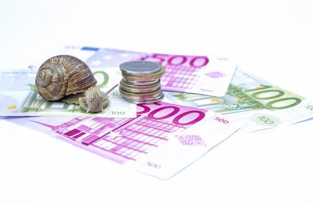 stagnate: Snail on moneys