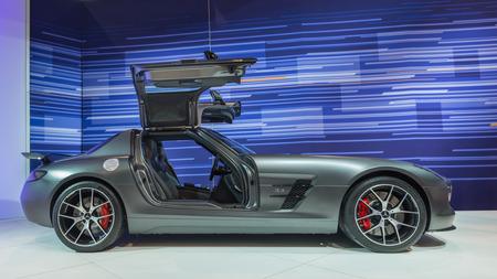 시카고, 일리노이, 미국 - 2014년 2월 7일 시카고 오토 쇼 CAS에서 2014 메르세데스 SLS AMG GT 마지막 판 차