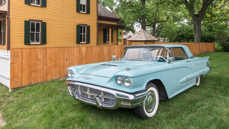 DEARBORN, MIUSA - JUNE 20, 2015: A 1960 Ford Thunderbird car at The Henry Ford THF Motor Muster, held at Greenfield Village. Редакционное