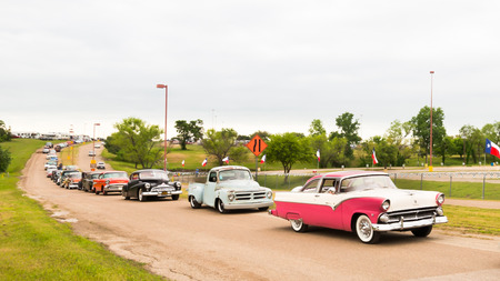 AUSTIN, TXUSA - April 17, 2015: Customized cars at the Lonestar Round Up, a celebration of 1963-and-earlier American hot rods and custom cars. Фото со стока - 42180731