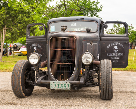 round rods: AUSTIN, TXUSA - April 17, 2015: A 1935 Ford truck at the Lonestar Round Up, a celebration of 1963-and-earlier American hot rods and custom cars. Editorial