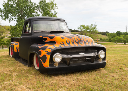 unbreakable: AUSTIN, TXUSA - April 17, 2015: A 1954 Ford truck at the Lonestar Round Up, a celebration of 1963-and-earlier American hot rods and custom cars. Editorial