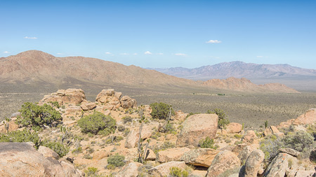The Notch, on Teutonia Peak Trail, in the Mojave National Preserve, California. Фото со стока
