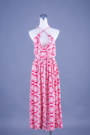 jupe: Womens beautiful dress on mannequin on white background