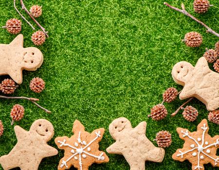 Christmas food. Gingerbread man cookies in Christmas setting. Xmas dessert Stock Photo
