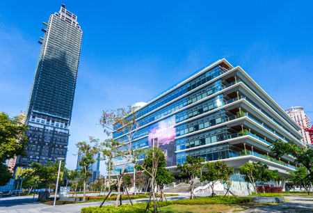 The Kaohsiung Public Main Library is located within the Asia New Bay Area, opened for all of its citizens. 版權商用圖片 - 106467075