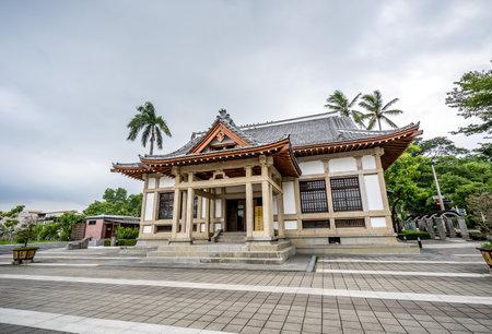 Kaohsiung, Taiwán - 26 de julio de 2018: La histórica escuela de Kendo, Butokuden Halls (Takenori Hall Square), construida en el período colonial japonés en Kaohsiung, Taiwán.