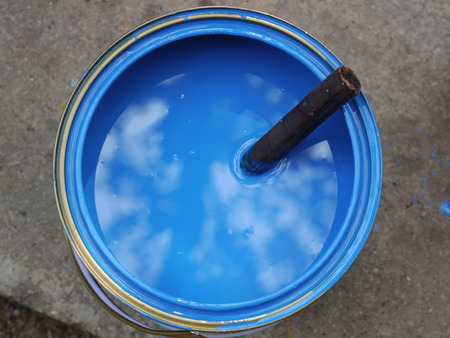 Blue colour in the tin