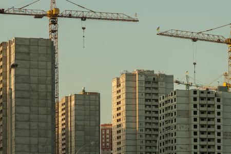prefabricated buildings: construcci�n de prefabricados de edificios de gran altura Foto de archivo