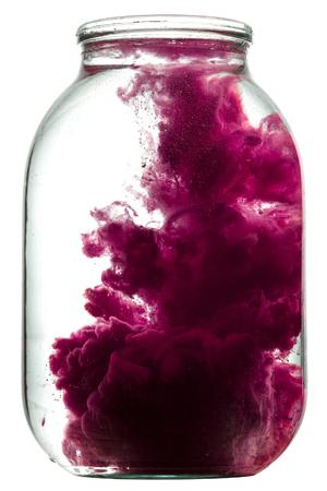 水の旋回をペイントします。ガラスの瓶に塗料を飛沫します。