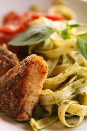 fettuccine: Fettuccine with chicken