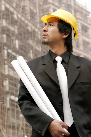 aspirant: An architect standing at the construction site