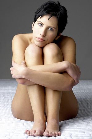 junge frau nackt: Nackte junge Frau