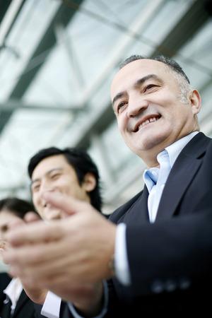 manos aplaudiendo: Empresario manos palmas