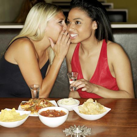 due amici: Due amici la condivisione di segreti