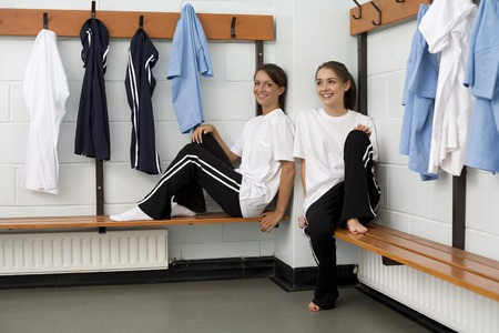 Girls relaxing in the changing room Zdjęcie Seryjne