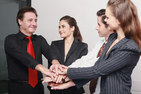 huddle: Business people in huddle