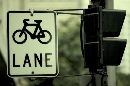 도시에서 자전거 로그인 스톡 콘텐츠 - 14328338