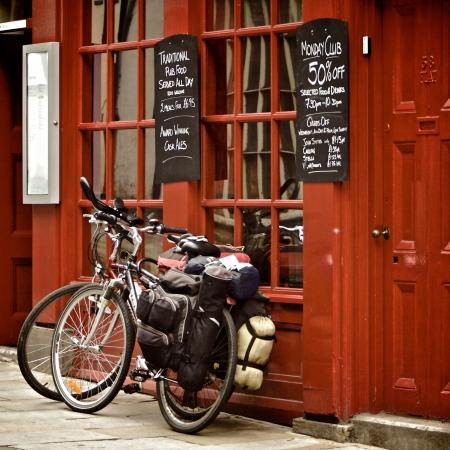 Bicycles on the British pub, Durham, United Kingdom Sajtókép