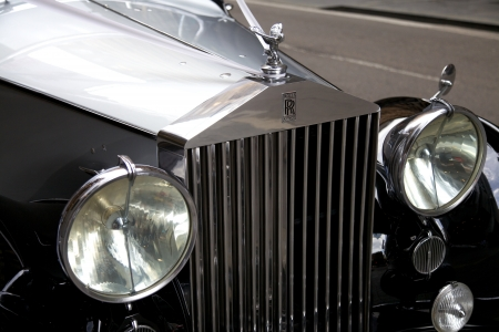 autos: Classic Rolls Royce With the Famous Flying Lady Emblem Mascot Editorial