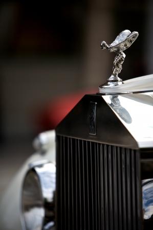 éxtasis: Classic Rolls Royce con la mascota emblema famoso vuelo dama