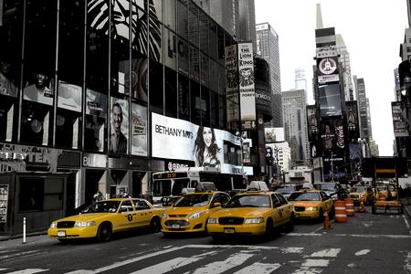 뉴욕, 브로드 웨이과 노란색 택시 에디토리얼