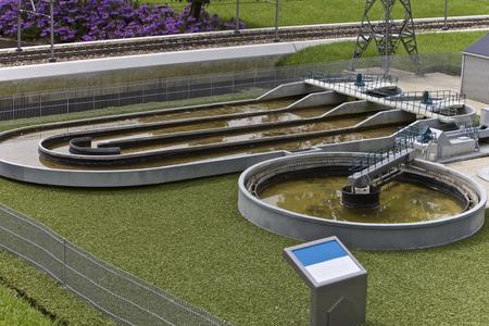 Waterzuiveringsinstallatie, Madurodam Miniature Town, Nederland Stockfoto