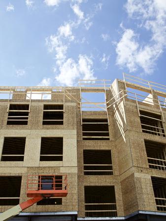 Bouw en Kranen op een bouwplaats in de VS