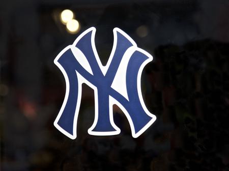 Yankee winkel in New York City, USANEW YORK - 17 augustus: Ingang aan yankee winkel in New York, Verenigde Staten van Amerika. Photo taken on: August 17th, 2015. Redactioneel