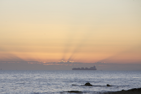 melbourne australia: Cargo Ship, sea route, Melbourne, Australia