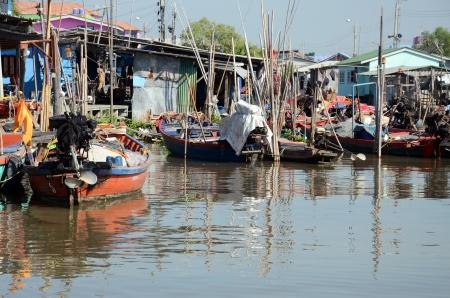 rope bridge: boats