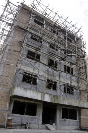 hustle: L'edificio in costruzione non � finito