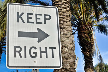 keep right, keep right sign Imagens