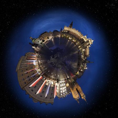 main market: Citt� Vecchia di Cracovia piazza principale del mercato di notte, 360 gradi MiniPlanet (elementi di questa immagine fornita da NASA)